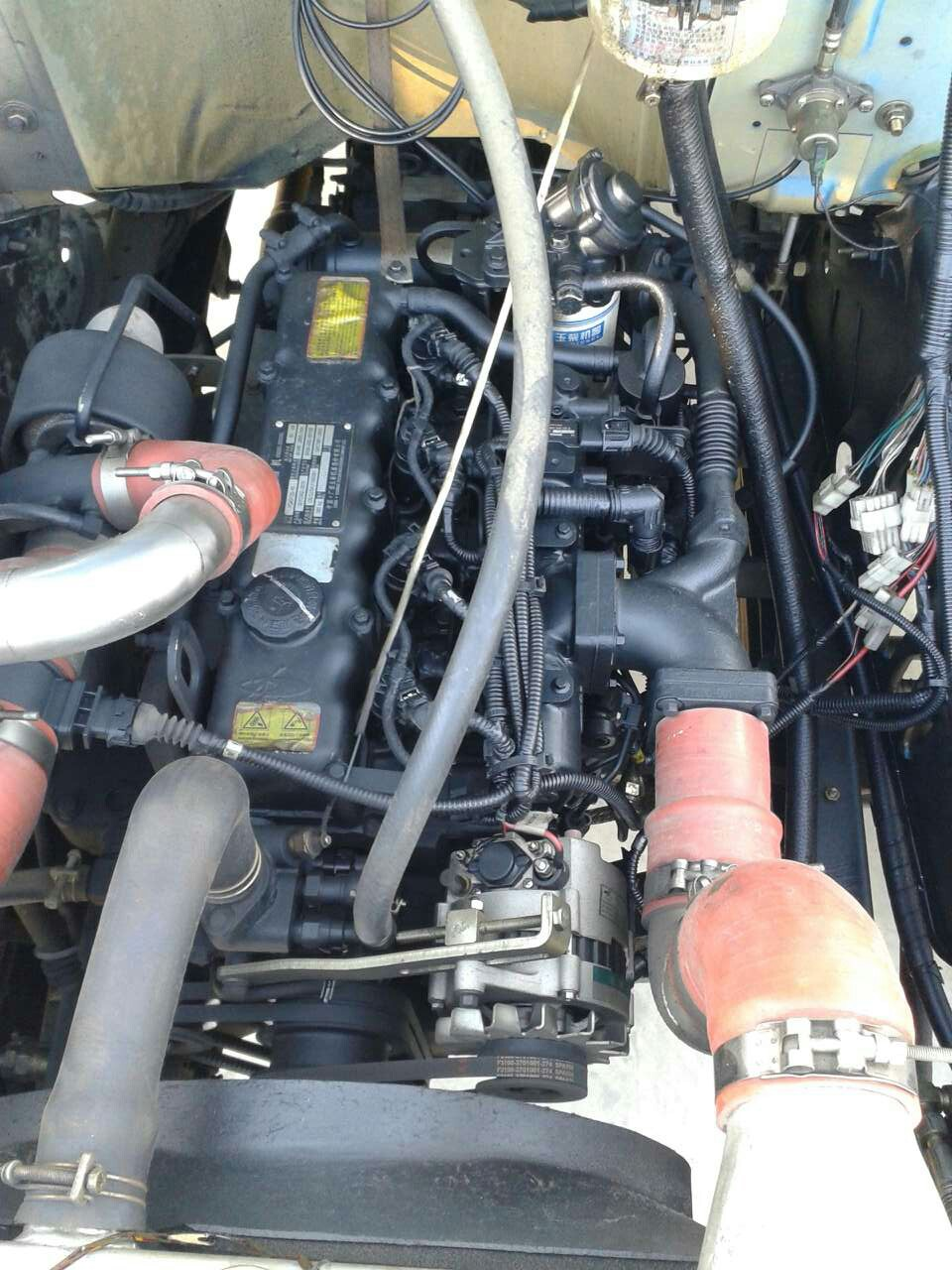 东风汽车发动机舱结构图解高清图片